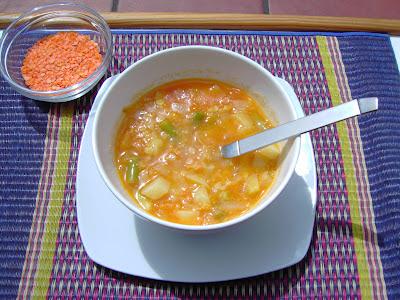 sopa de lentejas naranjas