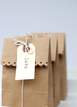 Wedding Gift Bag Not On The High Street : these gorgeous brown paper gift bags would make great wedding favours ...