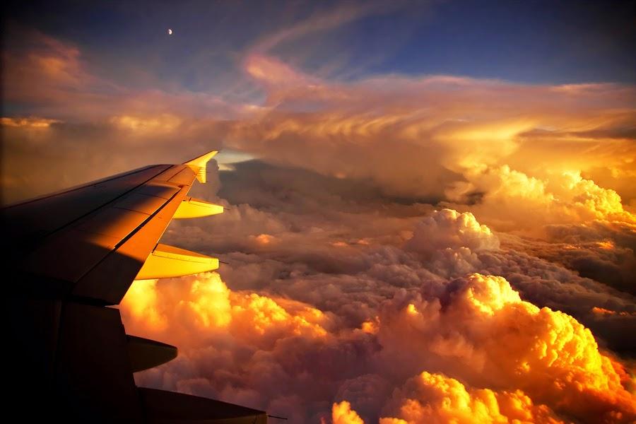 شروق الشمس من الطائرة