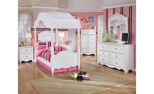 Ashley Furniture Homestore Exquisite Poster Bedroom Set