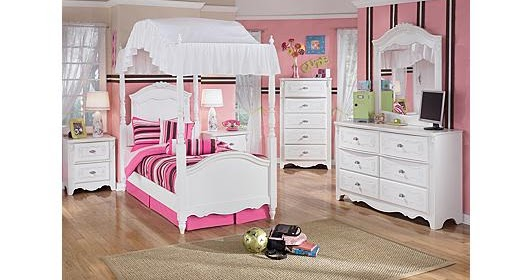 Ashley Furniture Homestore Exquisite Poster Bedroom Set
