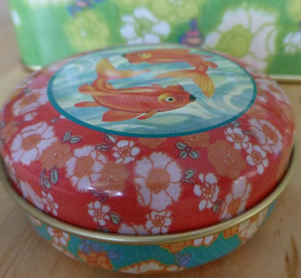 Coniglia bloggt...: schöne Blechdosen fürs Kinderzimmer
