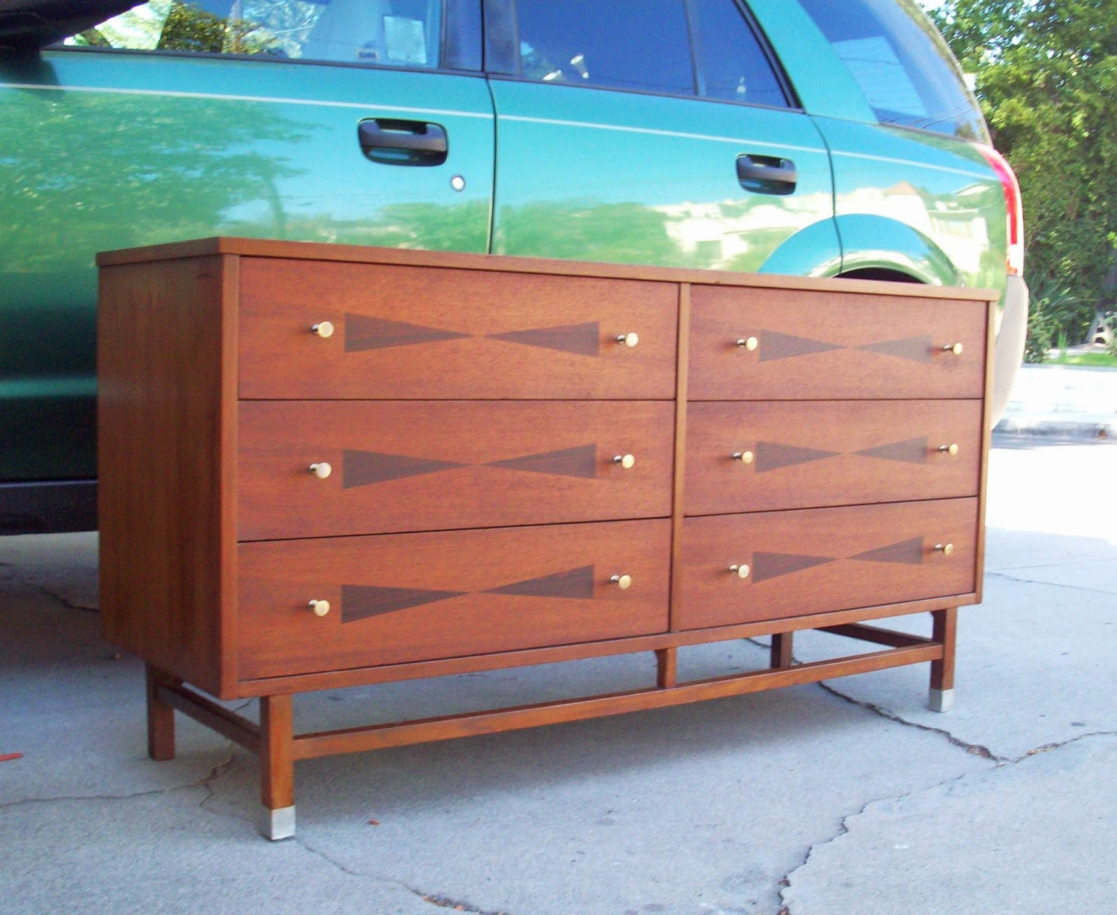 SORRY SOLD______True Vintage 1960u0027s Mid Century Dresser / Credenza. Rare  Bowtie Dresser From Stanley Furniture. Beautiful Walnut Wood With Rosewood  Inlay.
