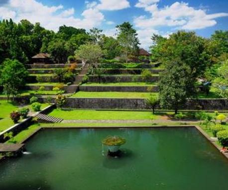 Tempat Wisata di Lombok Taman Narmada