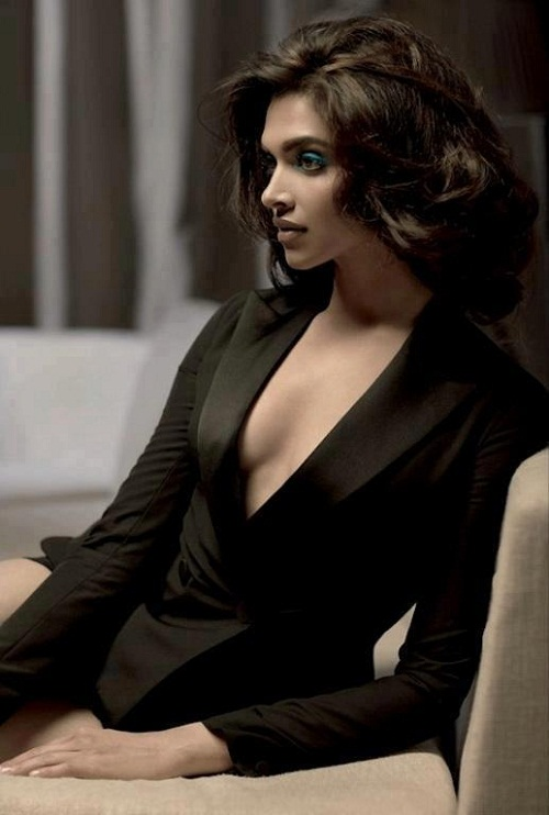 Deepika Padukone Cleavage photo in sexy black dress