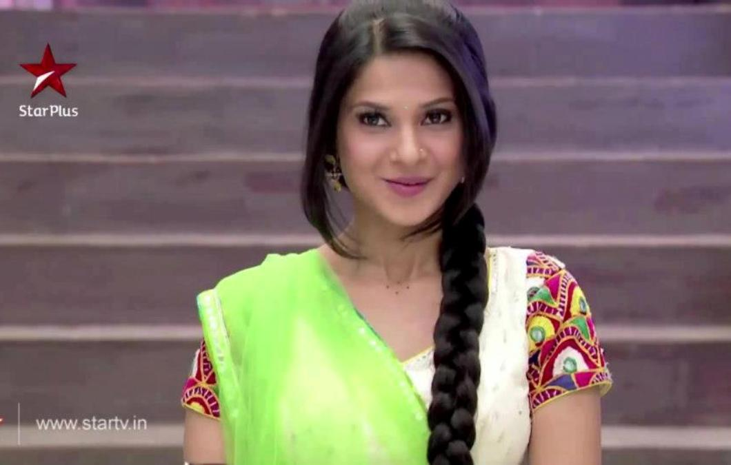Pics of Jennifer Winget as Kumud in Saraswatichandra
