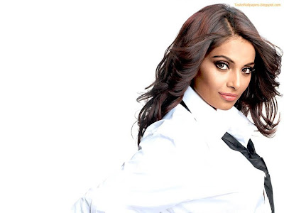 Bipasha Hot hd wallpaper Side shadow in white