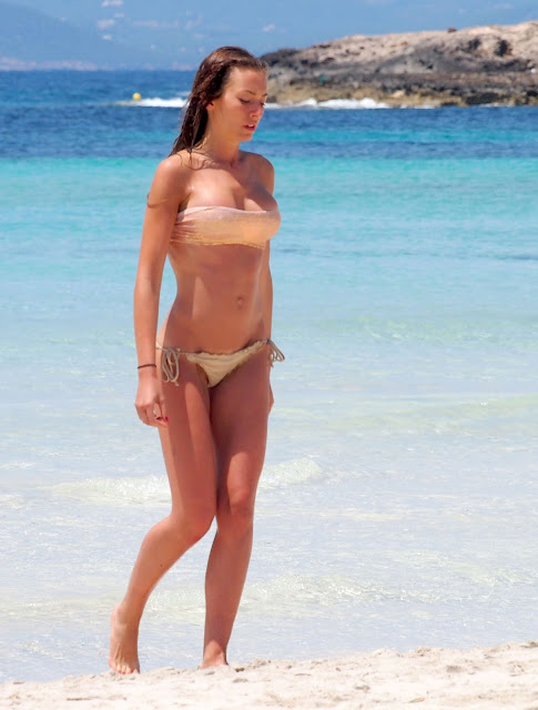 Alessia Tedeschi Super Hot Bikini Candids On The Beach In Formentera