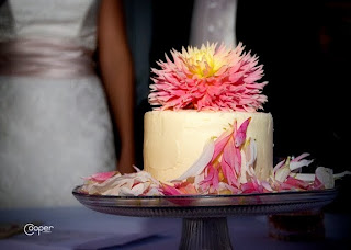 Dahlia-decorated wedding cake. Cooper Studio photo.
