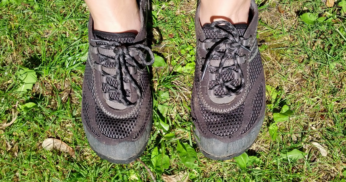 Jenna Takes On Merrell Barefoot Run Pace Glove Review