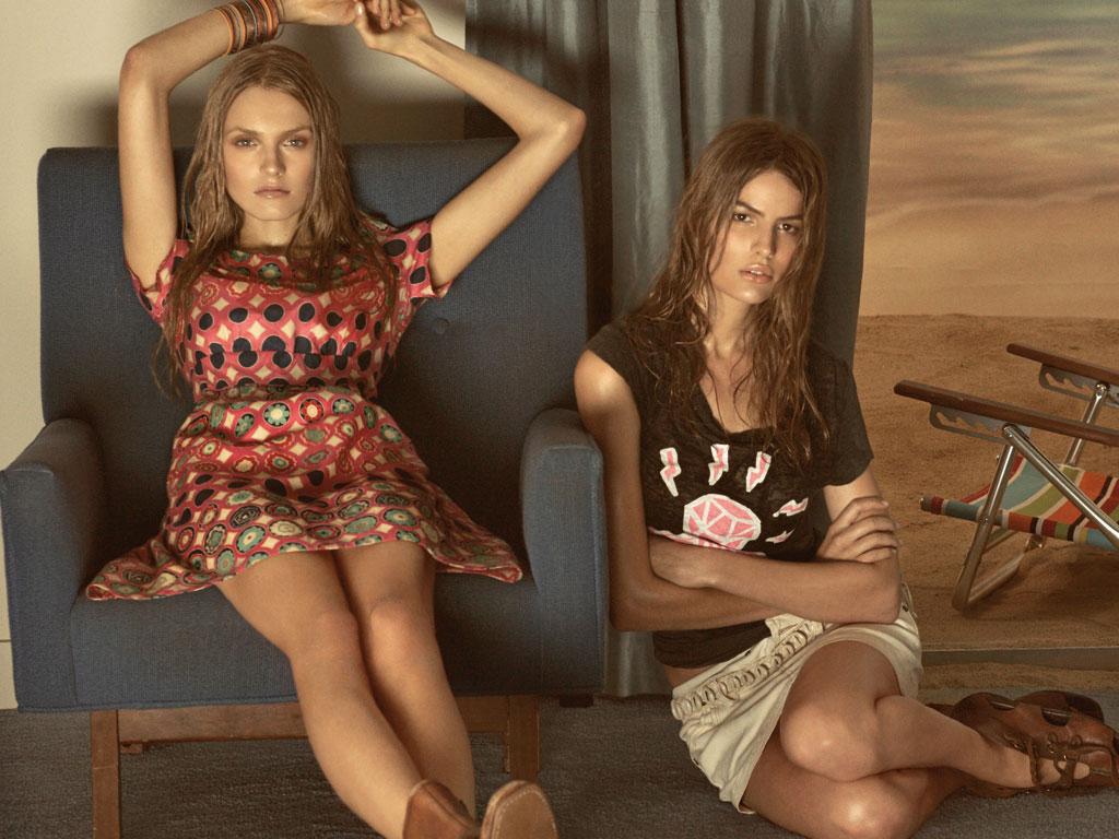 http://2.bp.blogspot.com/-I1G_OAbqz5o/TfvBRXwj2JI/AAAAAAAADmk/jXHo21cnasY/s1600/pepe-jeans-london-campaign-campaign_s_10.jpg