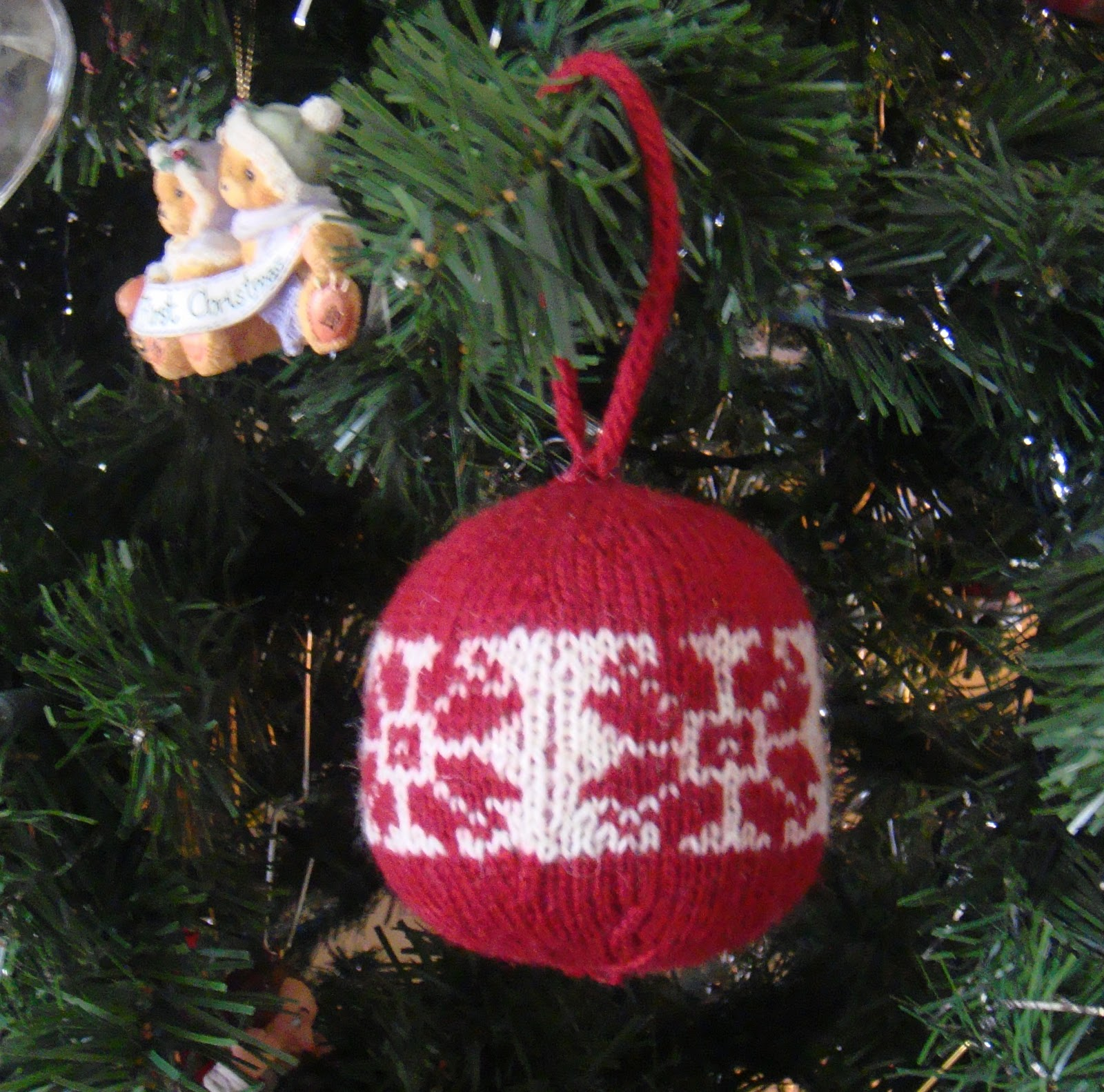 Knitted Thoughts: Knitted Christmas Ornaments