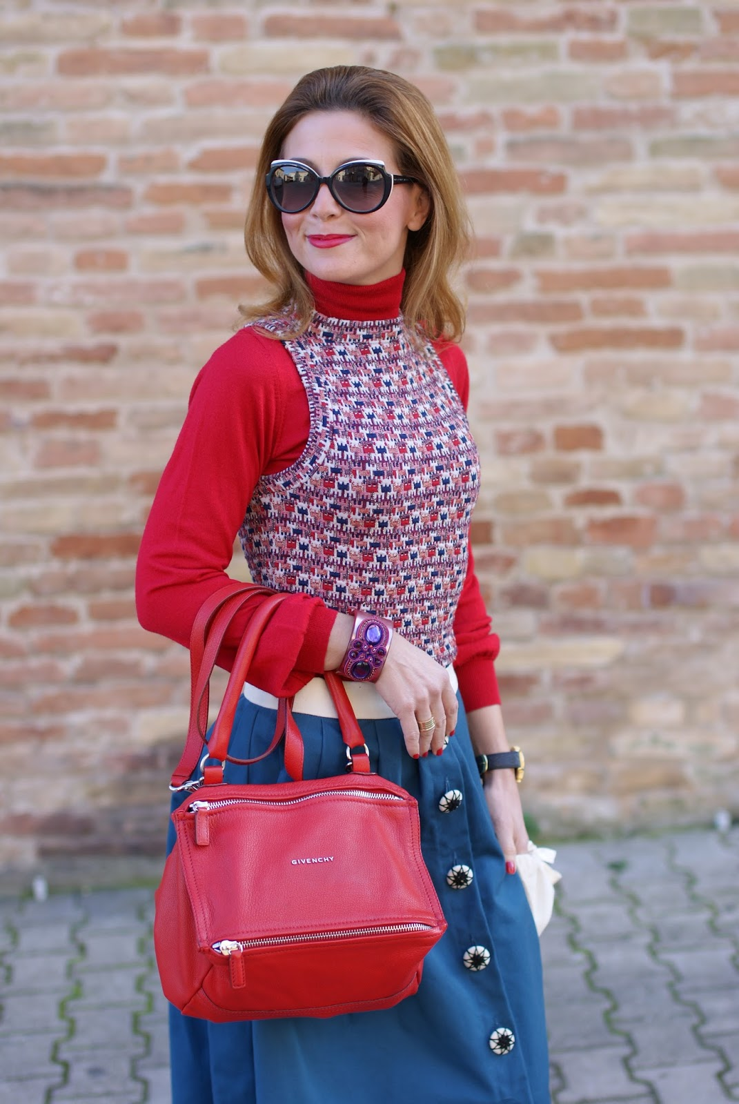 Givenchy red Pandora bag and Gioya Bijoux Soutache bracelet on Fashion and Cookies fashion blog, fashion blogger style