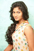 Shruti reddy sizzling photos gallery-thumbnail-13