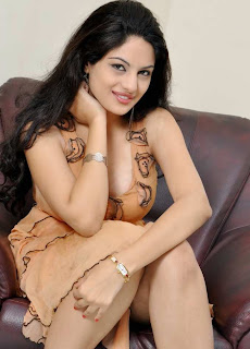 Hot Cleavage Show Photo Shoot of South Actress Jinal Pandya