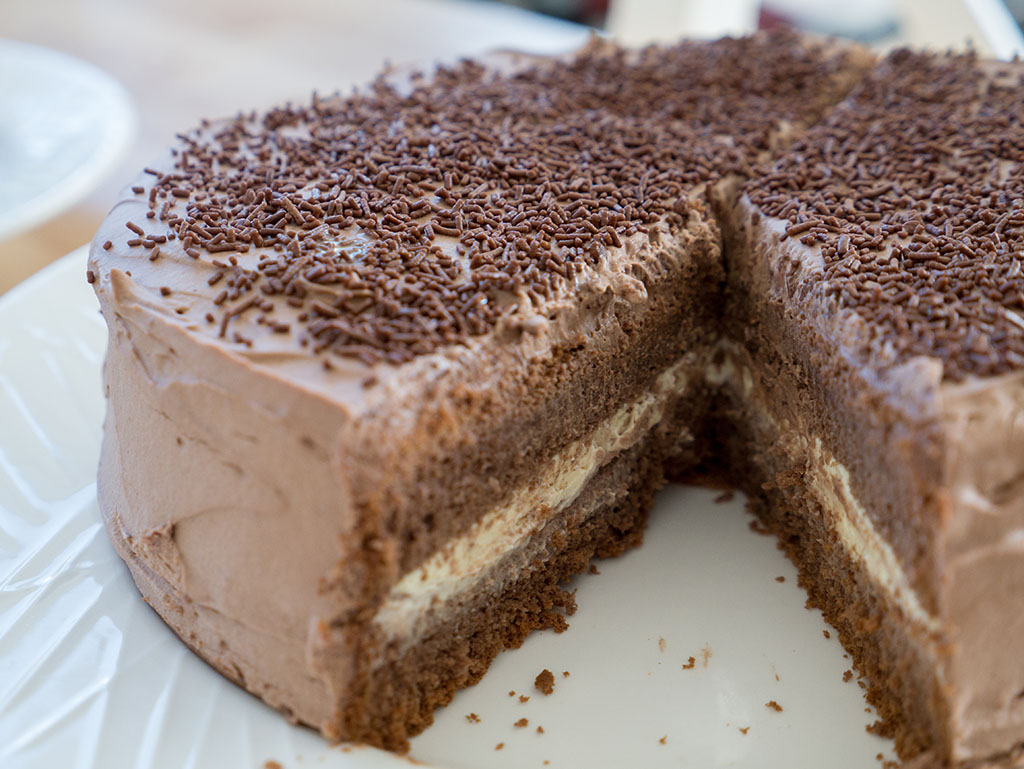 Purple Bowl Chocolate Sponge Cake With Chocolate Cream Frosting Recipe