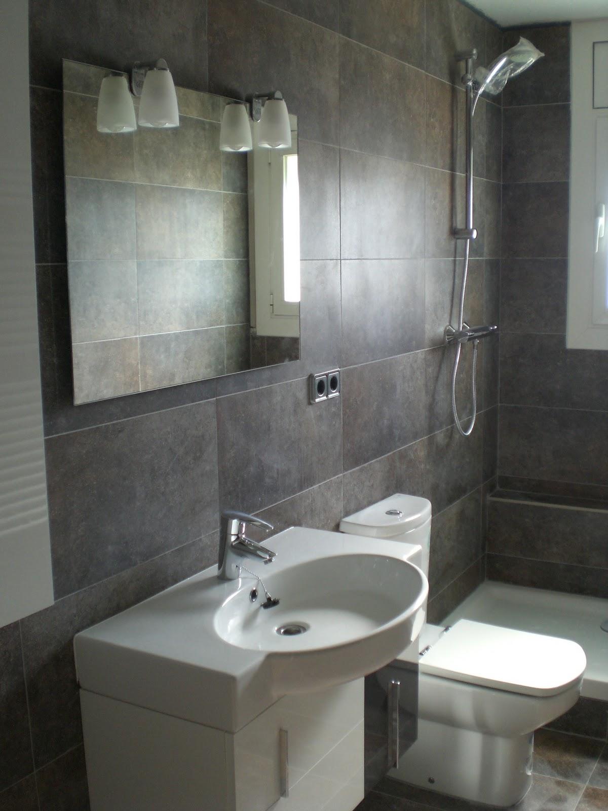 Baño Blanco Piso Gris:FAIÇO Interiorisme: Baño en Vilanova y la Geltru