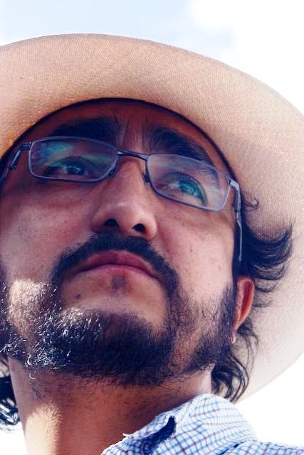 """: """"CINCO MANERAS DE ARMAR UN TRAVESTI"""" DE CÉSAR EDUARDO CARRIÓN"""