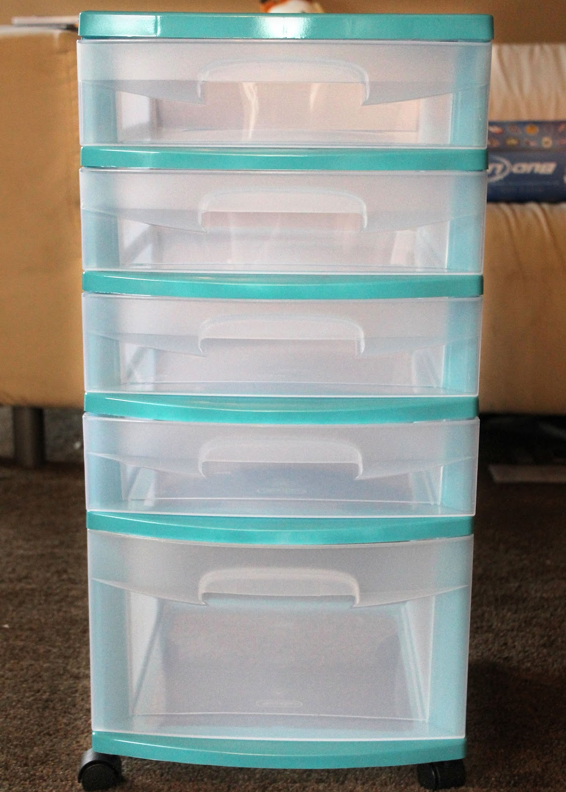 my crafty soul upgrade those cheap plastic storage bins. Black Bedroom Furniture Sets. Home Design Ideas