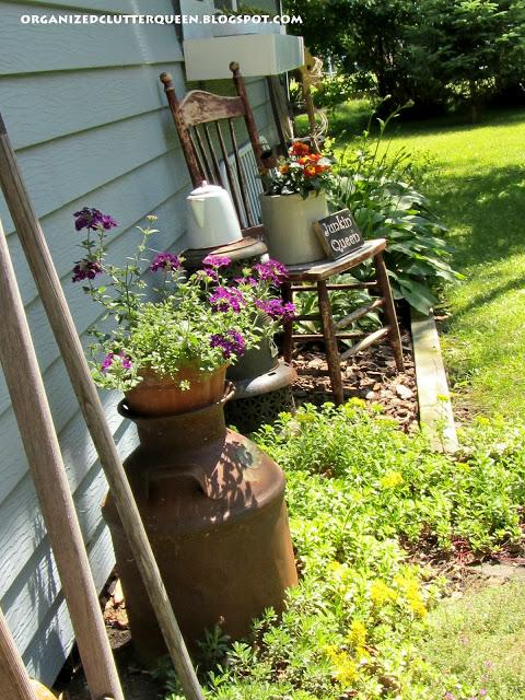Junk Garden Wall www.organizedclutterqueen.blogspot.com