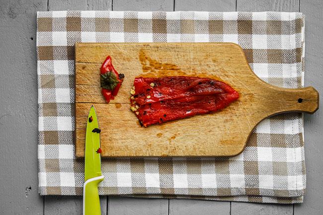 Kako očistiti pečene paprike - Magična Oklagija