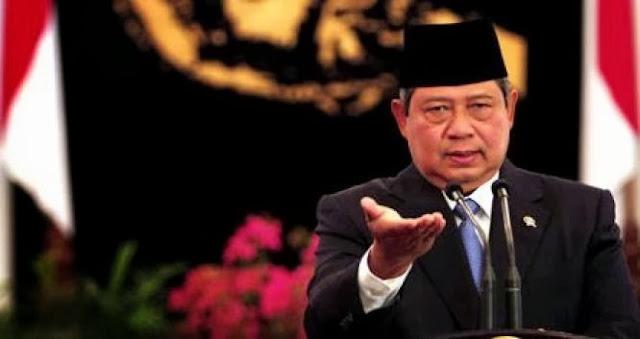 Presiden SBY Berhentikan Sementara Ketua MK