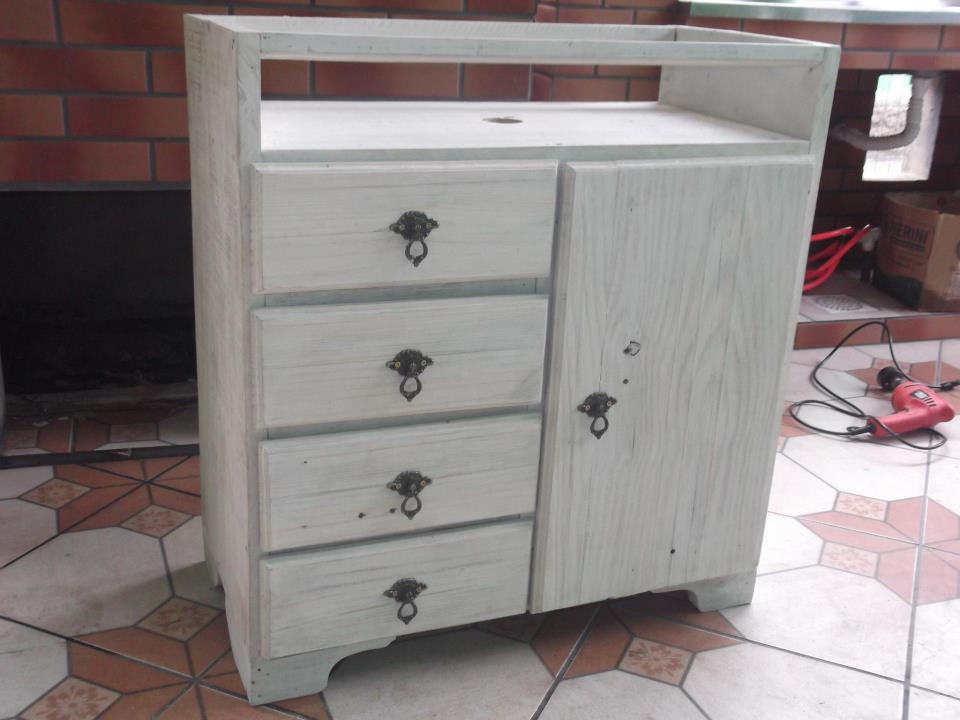 A Moda da Casa Armário de banheiro em branco rústico -> Armario Banheiro Rustico