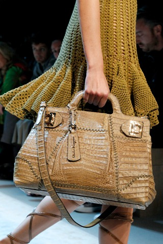 CELEBRITY SHOW: The Most Beautiful Handbags