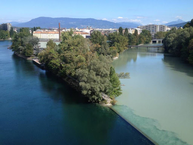 Colliding-rivers-in-Geneva-Switzerland-3