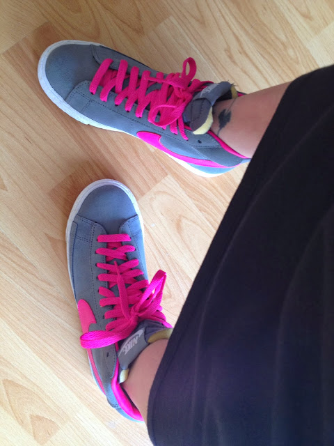 nike blazers grey and pink foil