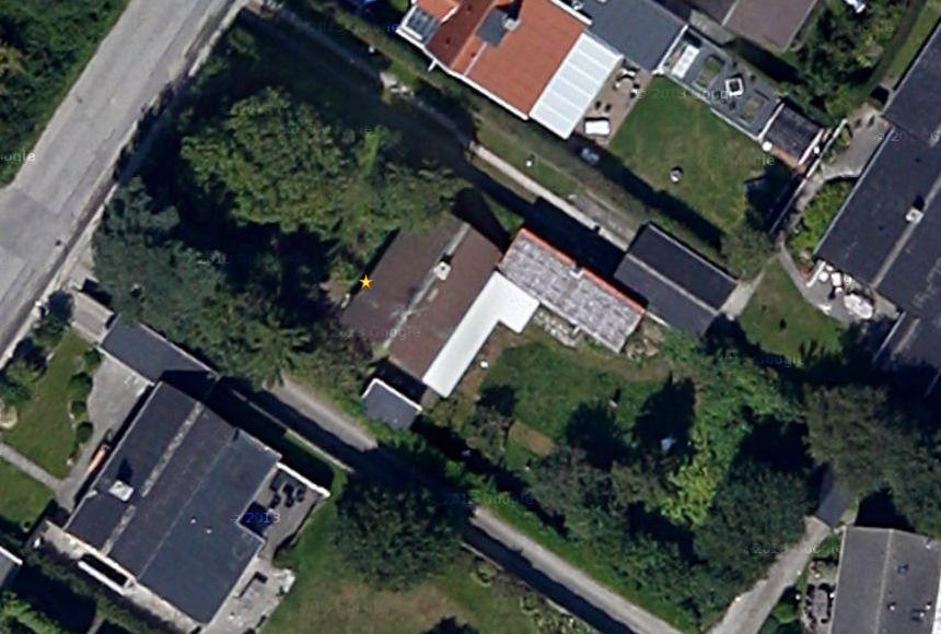 Byggegrunden - luftfoto fra Google Maps