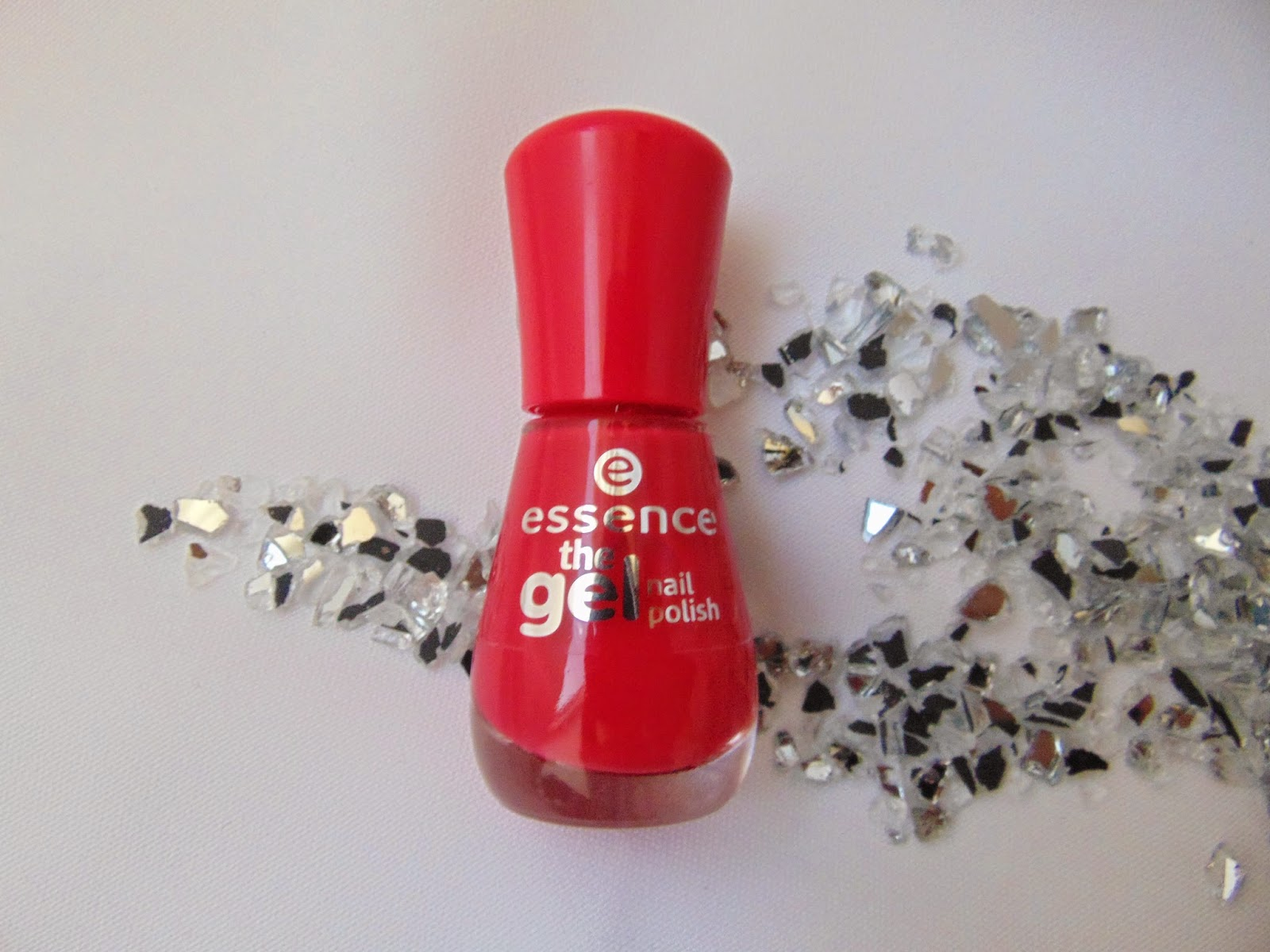 Essence the Gel Nail Polish - 4 ever young - www.annitschkasblog.de