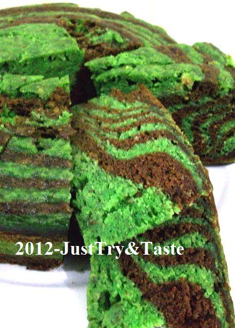 Cake Kukus Pisang Zebra Hijau & Coklat