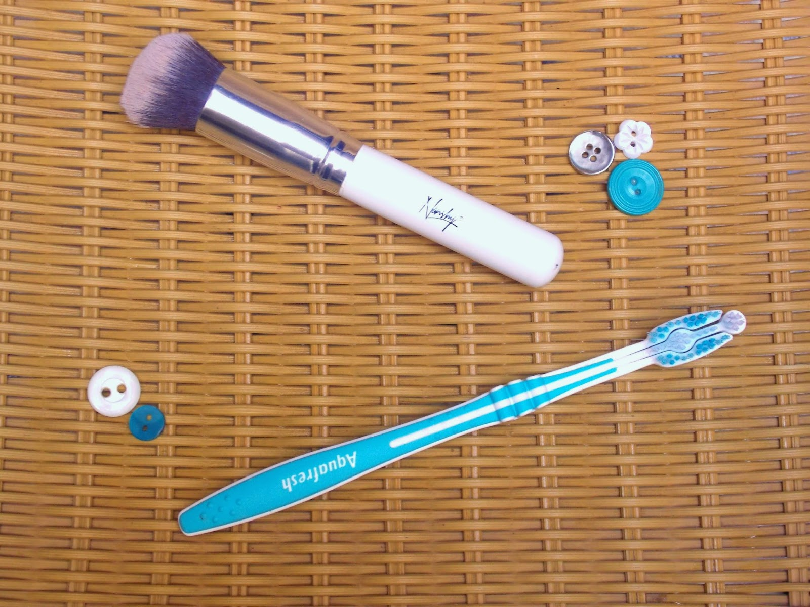 Beauty, correct tools, daily make up brushes, how to create flawless lip make up, make up brush collection, using make up brushes, why do I need make up brushes,