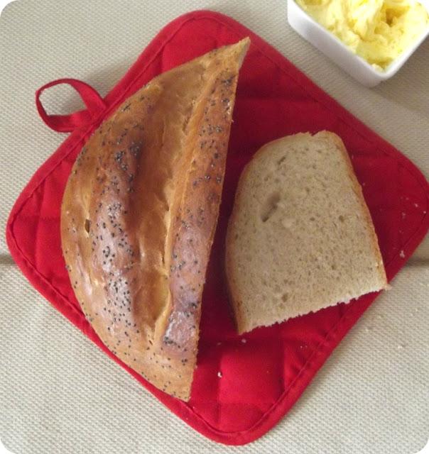 Chleb z mąki pszennej (drożdżowy) bardzo łatwy