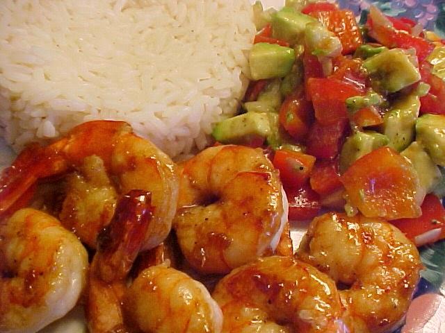 Crevettes à l'orientale avec salsa aux avocats