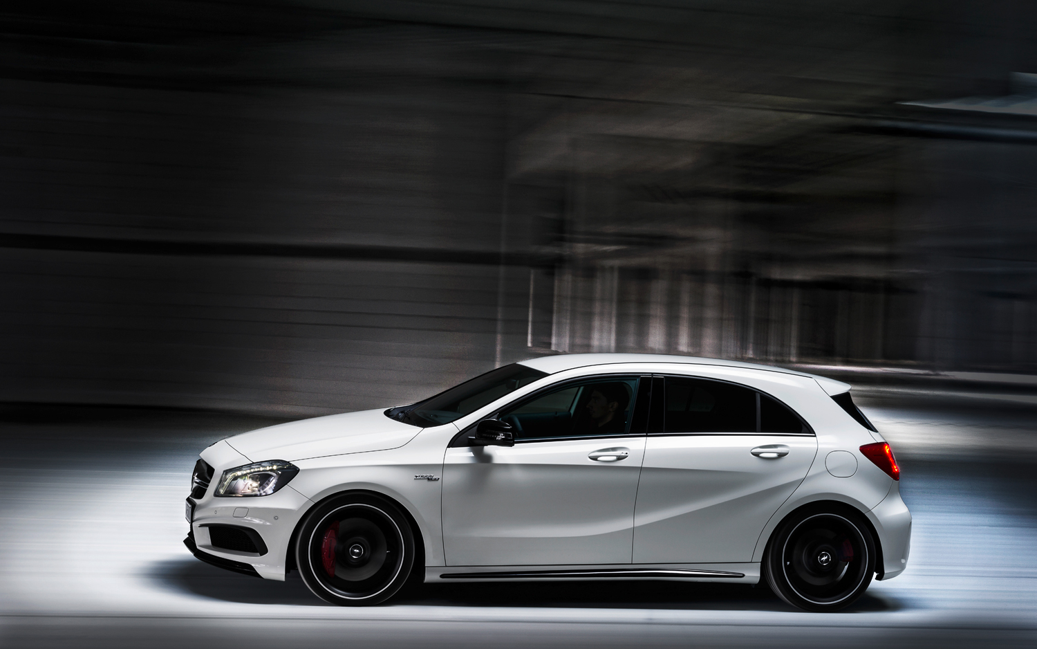 nancys car designs 2014 mercedes benz a45 amg. Black Bedroom Furniture Sets. Home Design Ideas