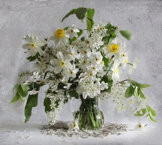 Ramo de flores blancas preciosas