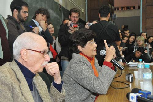 Marilena Chauí [ao centro] e Hélio Bicudo [à esquerda]