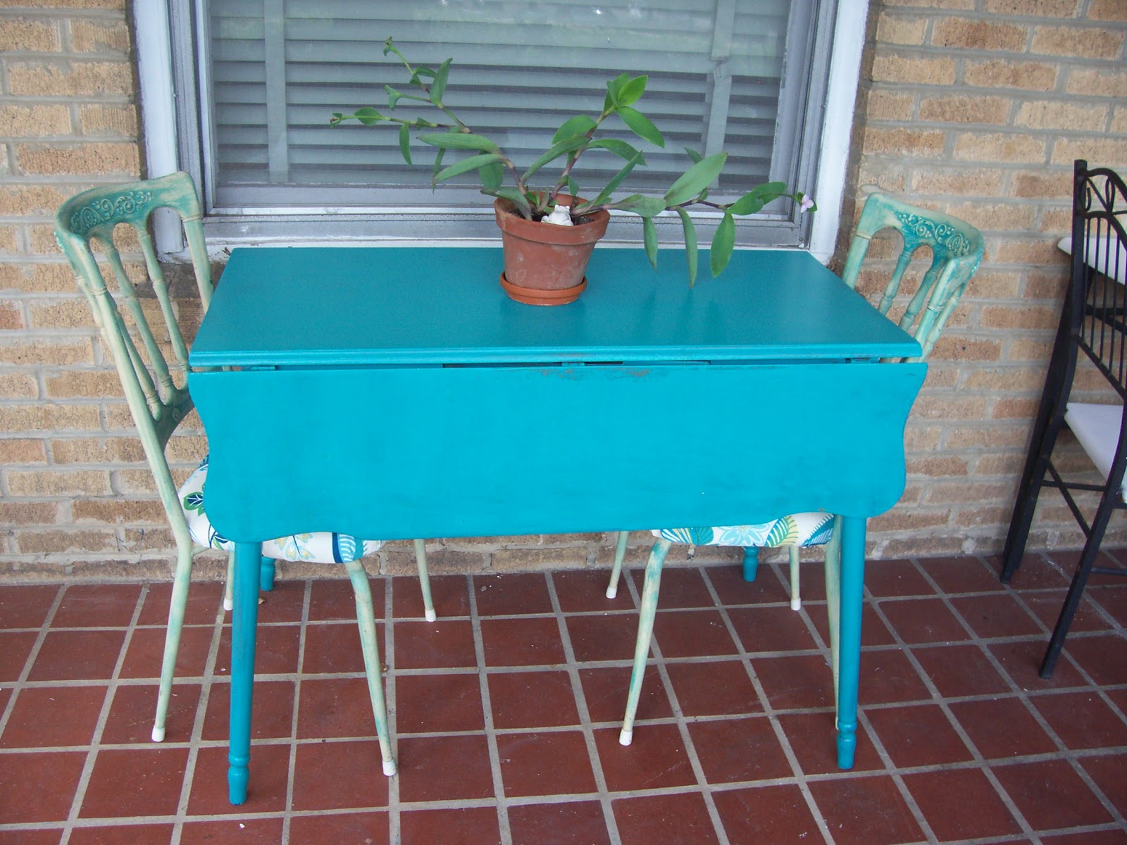 17 inspiring teal kitchen table photo lentine marine 17968 for Teal kitchen table