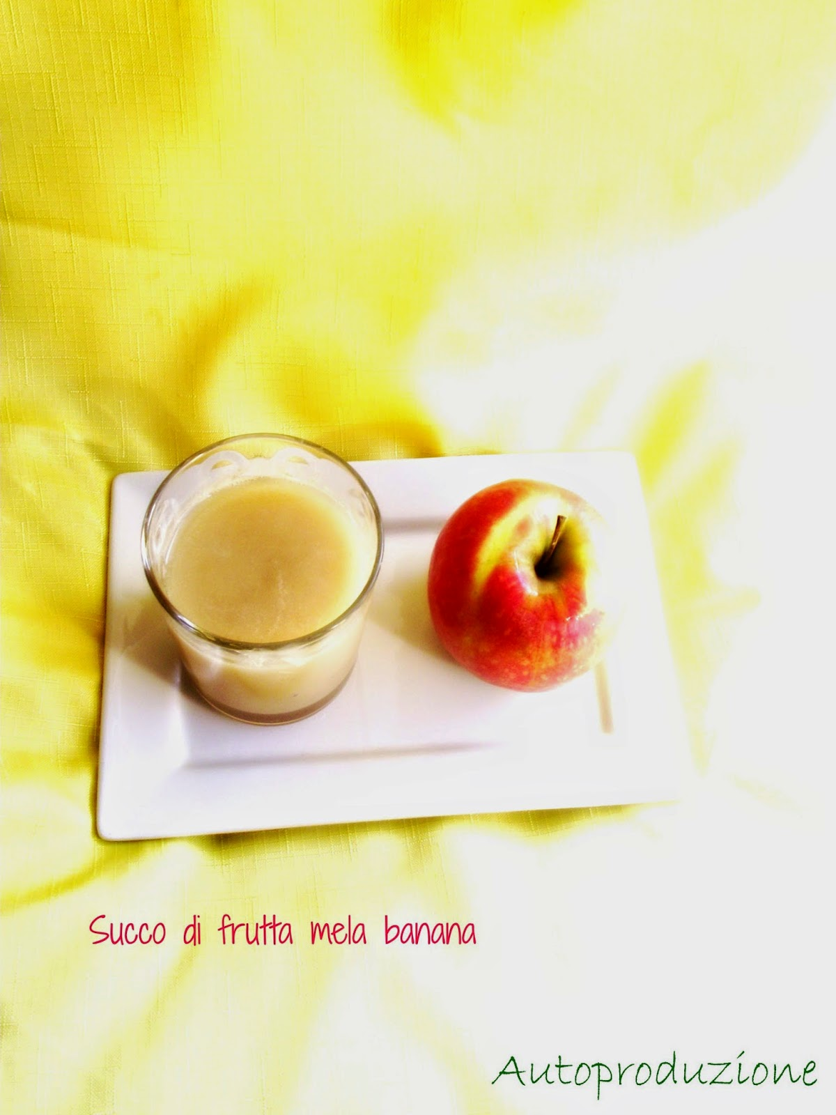 succo di frutta fatto in casa e le salviette detergenti autoprodotte