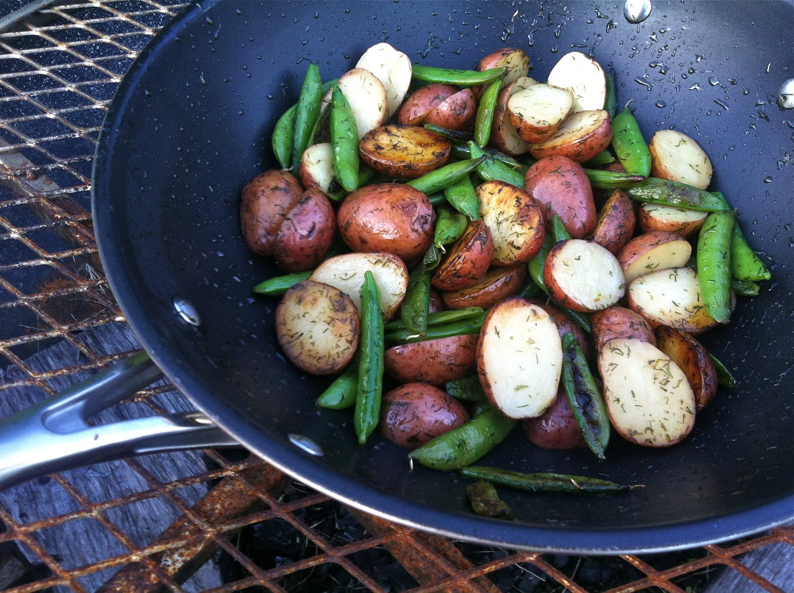 The Lifestyle Notebook : Dill Potatoes & Sugar Snap Peas