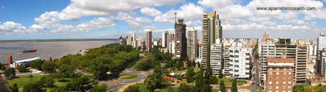 Vista a vuelo de pájaro de la ciudad de Rosario en la costanera