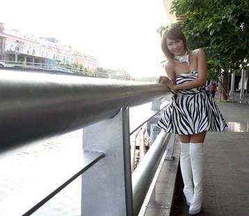 Foto Syanel Penyanyi Dangdut Cantik dan Seksi Yang Mirip Ayu Ting Ting