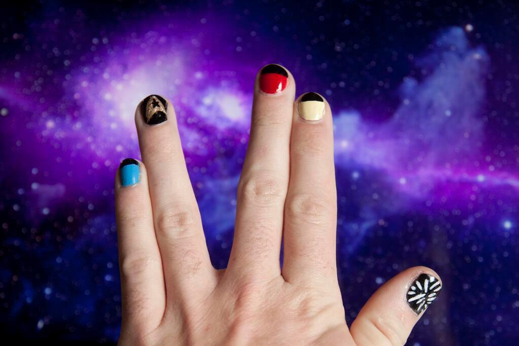 Ever So Juliet Uk Lifestyle Beauty Baking Blog Star Trek Nail Art