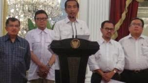 Pemerintah Jokowi Naikkan Harga BBM