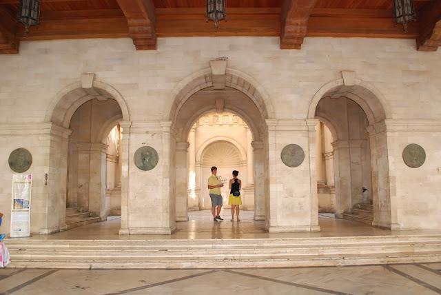 Часть здания Лоджии , City hall (Loggia).