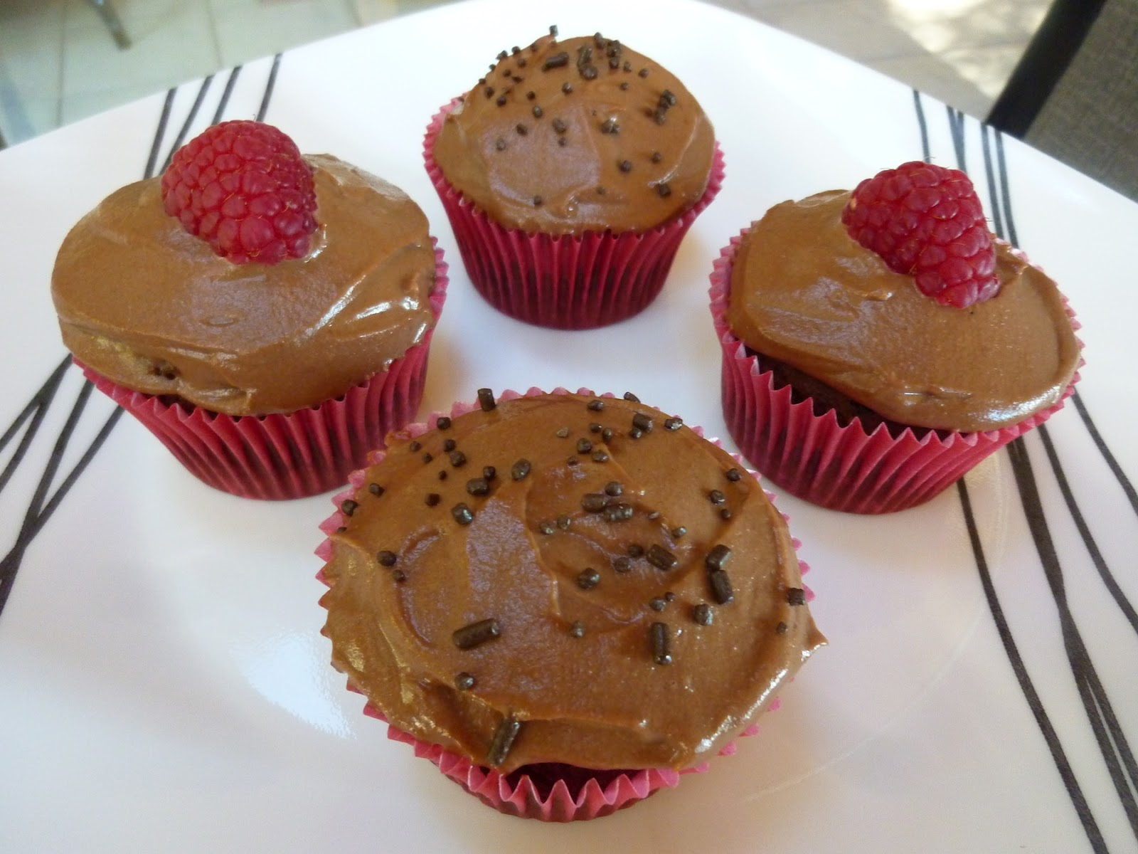 Chocolate Vegan Cupcakes With Chocolate Cashew Icing - A Dessert For ...