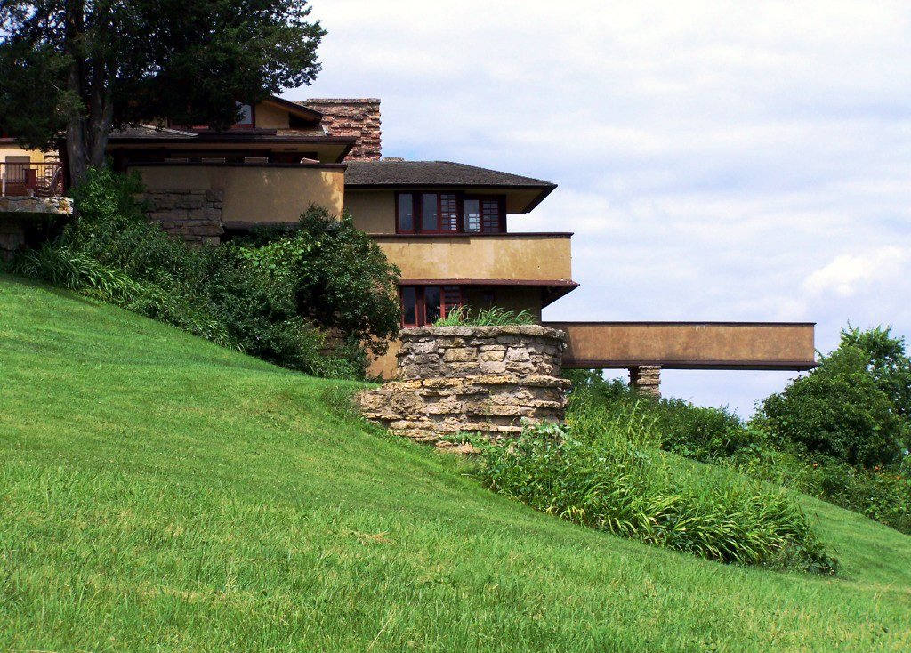 cantilever and frank lloyd wright Stunning creation of architect frank lloyd  frank lloyd wright was in danger of   acts as a cantilever like a diving ished underside of the structure wright.