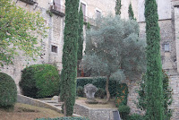 Monument la Majordoma. Llegendes. Girona.